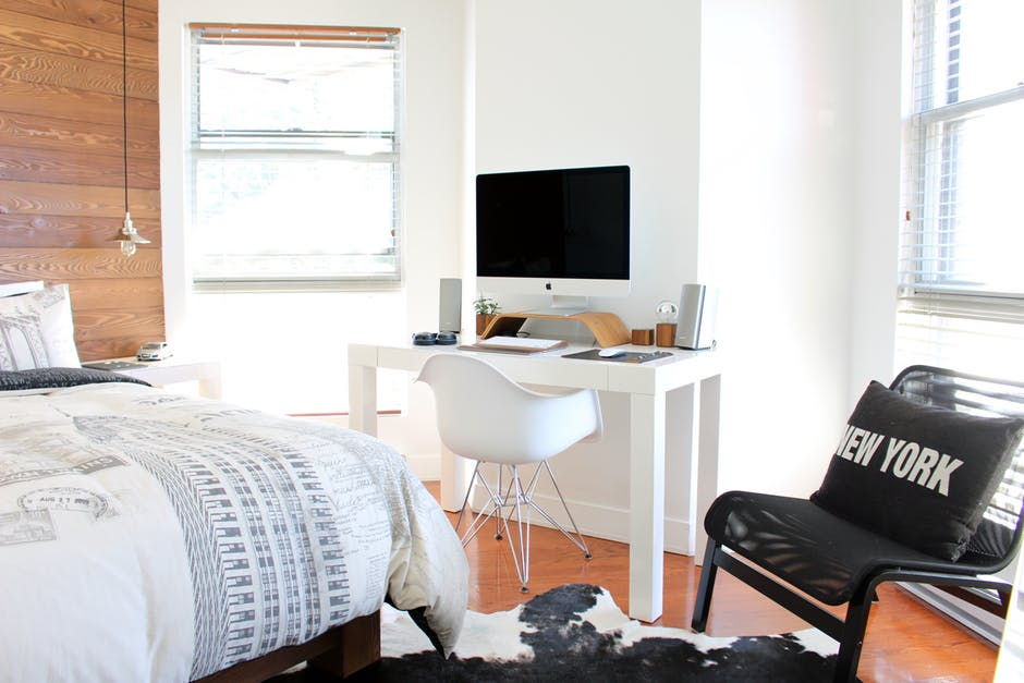 Tips-To-Turn-Your-Small-Bedroom-Into-A-Functional-Stylish-Space-1